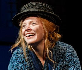 Lauren Ambrose Takes A Final Bow