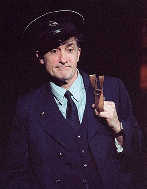 Roger Rees. Photo by Paul Kolnik