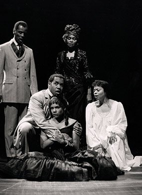 The cast of MARIE CHRISTINE. Photo by Joan Marcus.