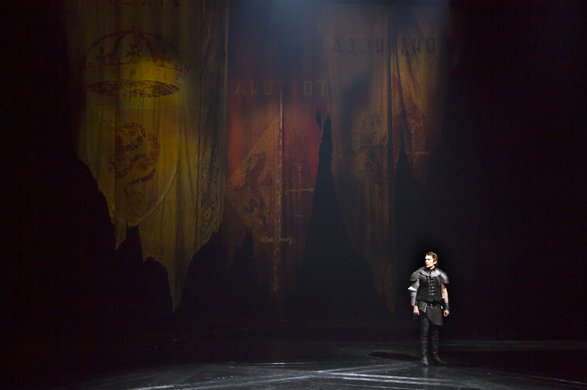 the use of dark imagery in macbeth a play by william shakespeare Through the use of light and dark imagery, macbeth's how fair became foul: imagery in macbeth in the play macbeth by william shakespeare comes.
