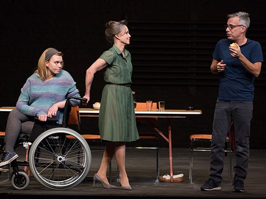 Madison Ferris, Sally Field, Joe Mantello. Photo by Julieta Cervantes.