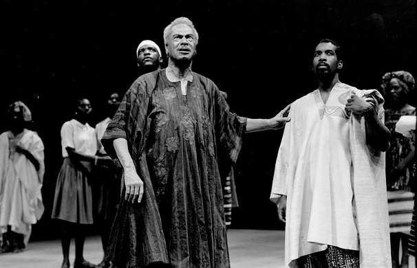Earle Hyman and the company of DEATH AND THE KING'S HORSEMAN. Photo by Brigitte Lacomb.